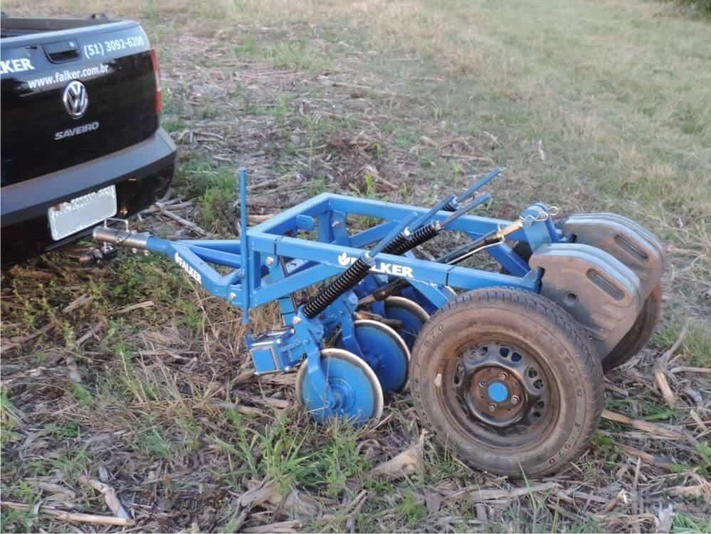 maquinas-e-implementos-agricolas-4