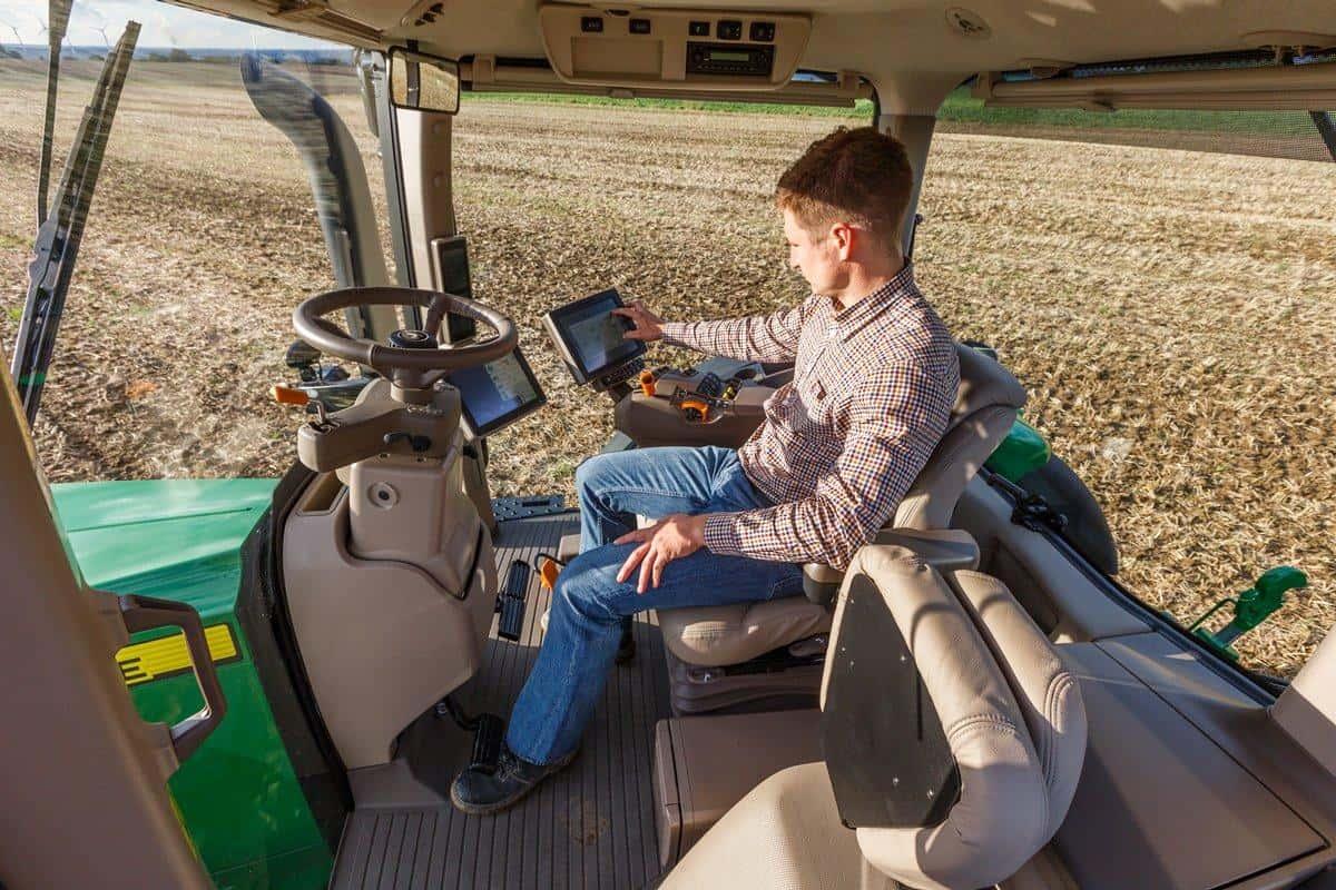 maquinas-e-implementos-agricolas-8