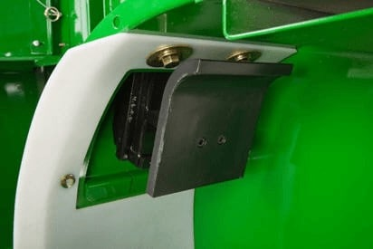 foto do sensor com placa de impacto alocada na colhedora