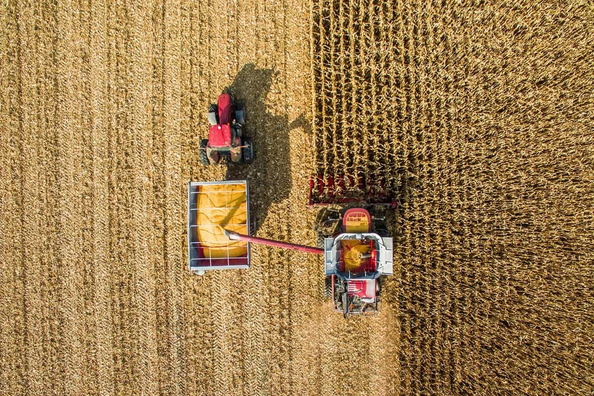economia com maquinário agrícola